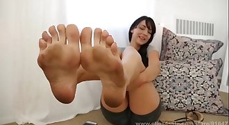 Lick my dirty feet and stroke!