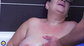 Brunette BBW mature gets fucked by a young guy